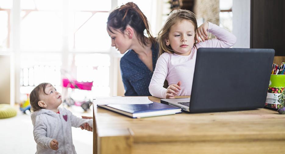 Las madres modernas propensas a perder la capacidad de disfrutar de las cosas simples por el síndrome de Burnout